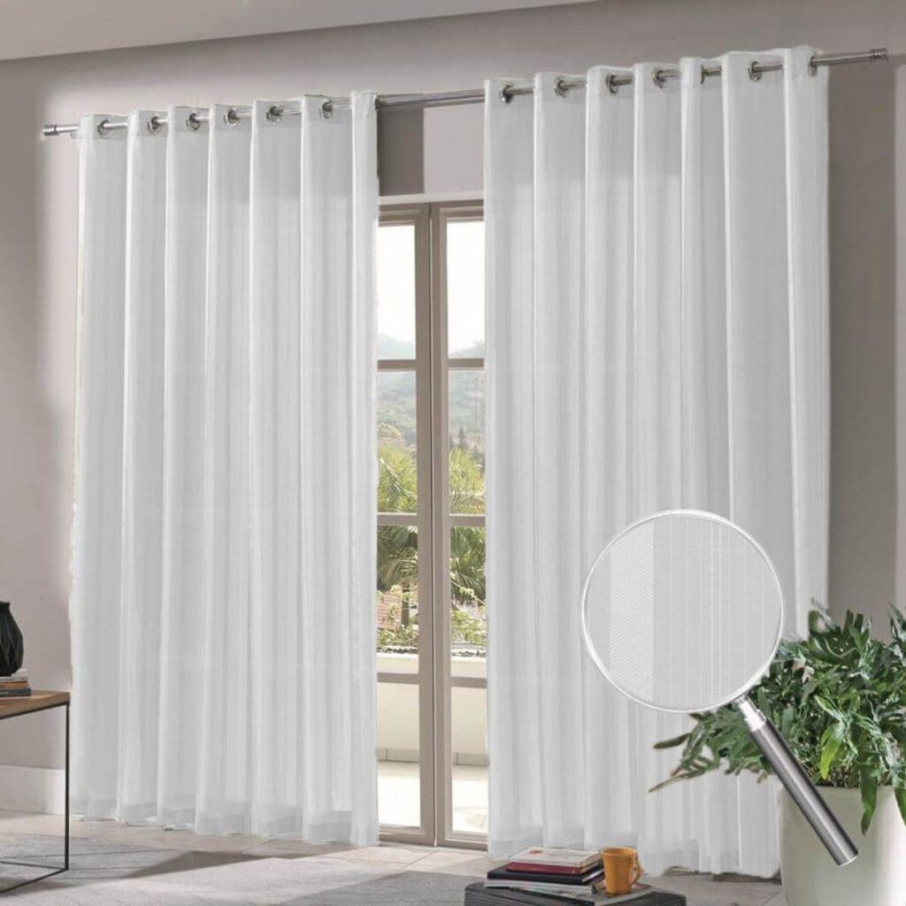 imagem de uma sala usando cortina com suporte para varão